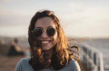Waarom je een zonnebril zou moeten dragen